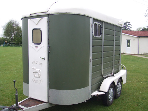 Sinclare 2 horse trailer